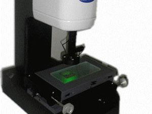 光学測定器の電源やスイッチ